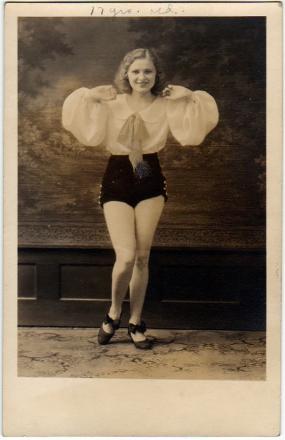 dancing-postcard
