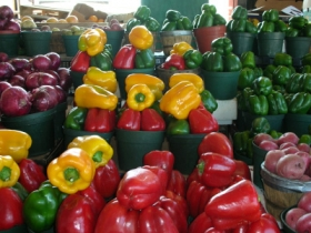2013-10-24-market-peppers