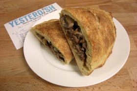 bcccalzone-top-1800