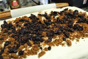 cinnamonraisinbread-filling