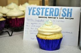 vanilla-cupcakes-top-1800